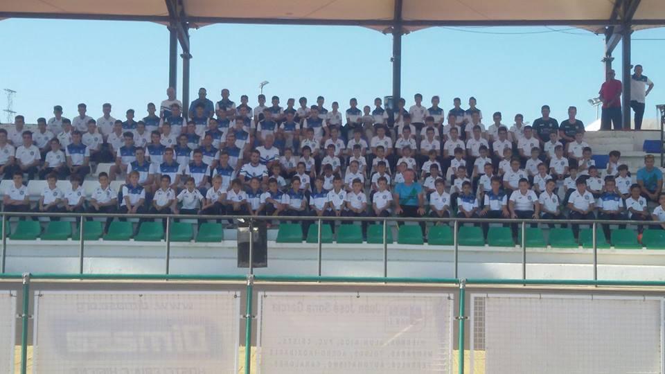 Fotos de grupo de todas las categorias de la UD Villamartín.
