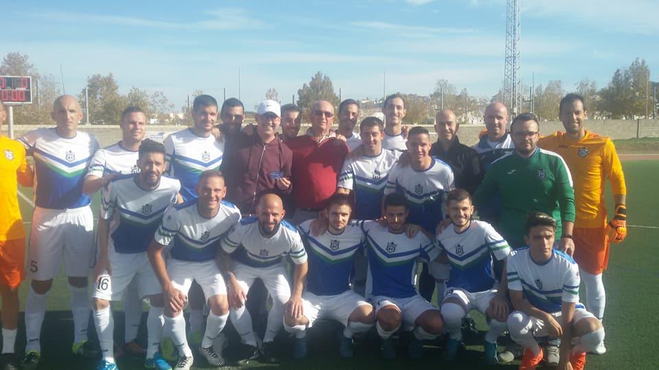 Homenaje a nuestro jugador ,Antonio Guerrero,por parte de la UD Villamartín.